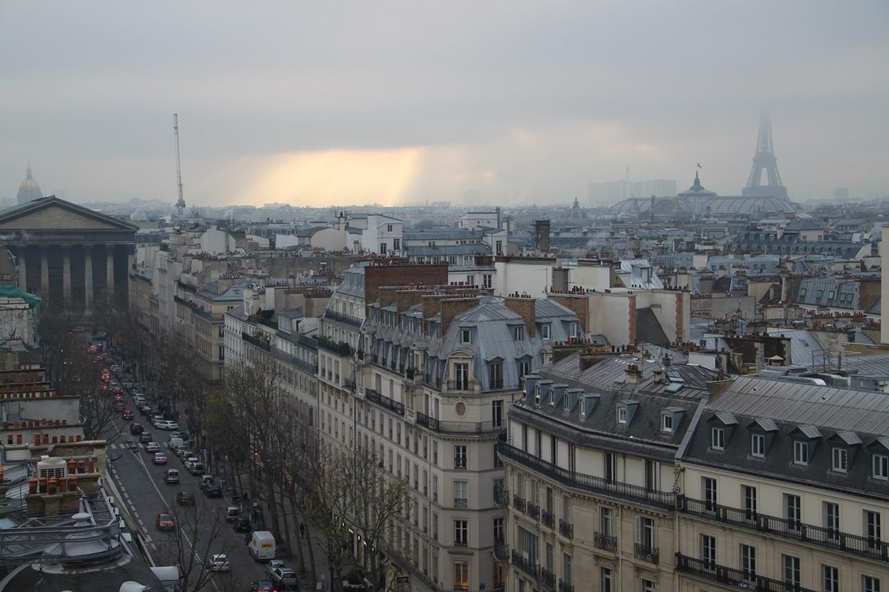 na paryskim bruku zostawia swe ślady – weekend w Paryżu