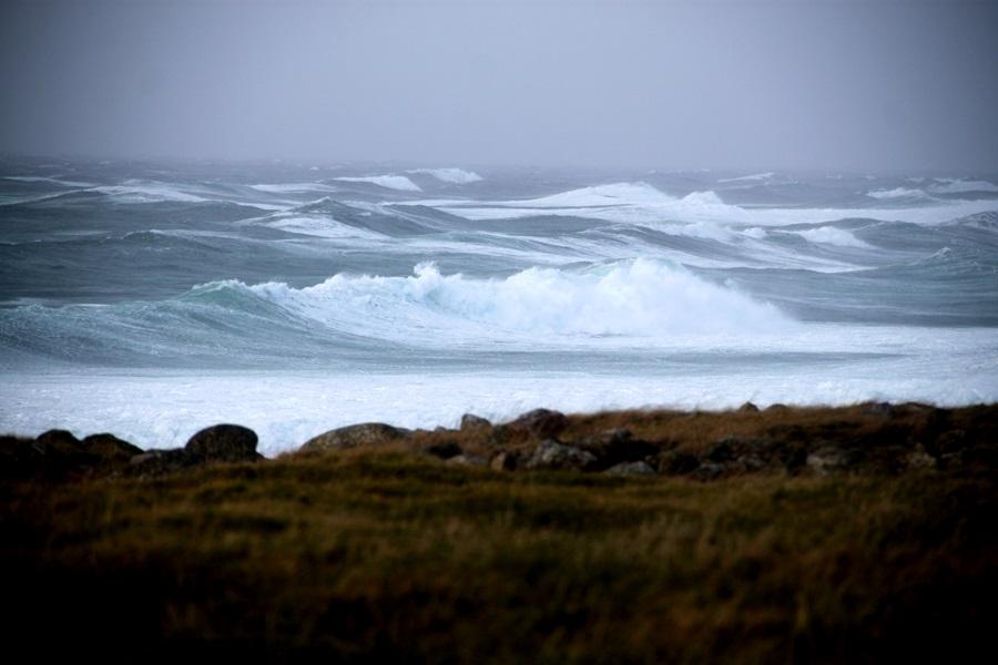 wieje na wieczór wiatr, śmieje się skrycie, na rozwidleniu dróg czekają na nas – sztorm na Morzu Północnym