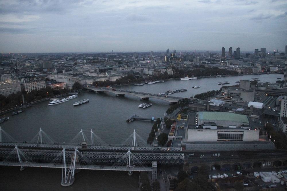 widok na Tamize z London Eye