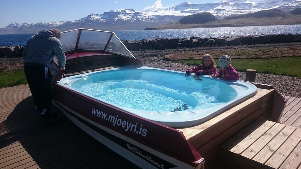 basen na Islandii