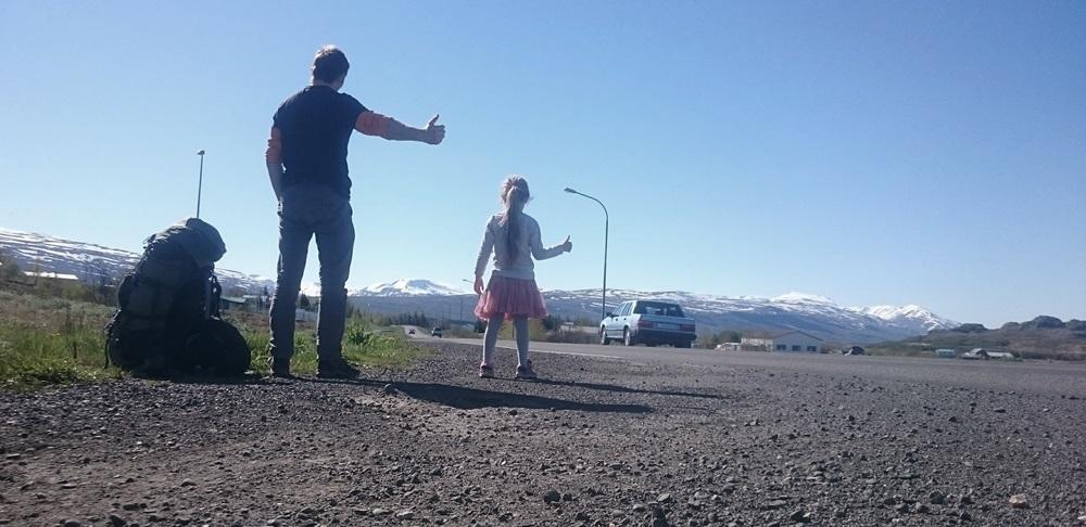 bądź żądna przygód, bądź śmiała, delektuj się – autostopem wokół Islandii z sześcioletnią córką