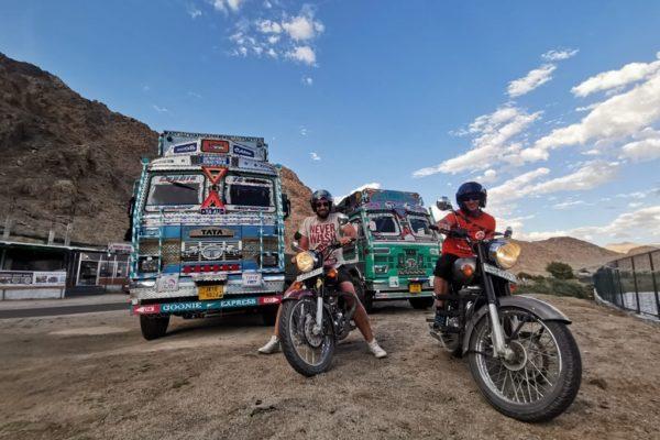 motocyklem w Himalajach